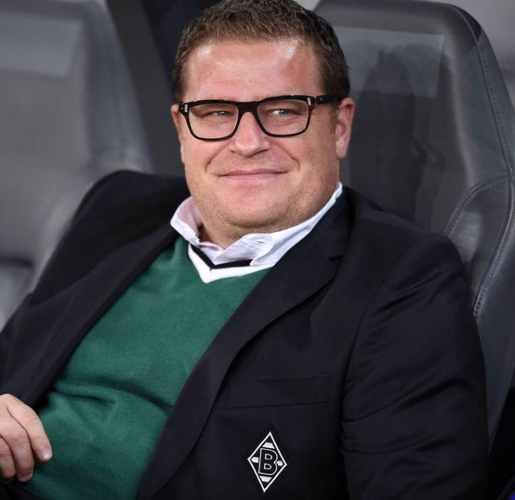O diretor esportivo Max Eberl destacou os bons resultados para efetivar André Schubert